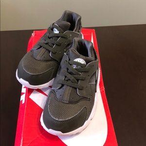 Toddler Girl Nike Huaraches